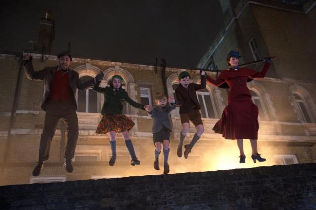 MaryPoppinsReturns5a1ba9d01f25d.jpg